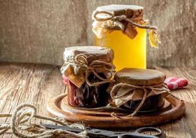 zelfgemaakte jam voor de winter. foto