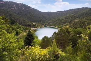 Lake Tsivlos foto