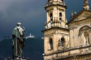 bolivar, kathedraal en monserrate foto