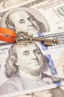 sleutel tot succes op dollarbankbiljetten
