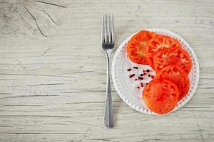 gesneden rijpe tomaten foto