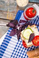 sandwich met tomaten foto