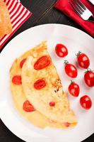 omelet met tomaten foto