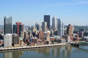 de skyline van Pittsburgh vanaf Mount Washington foto