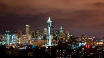 mistige nacht in Seattle foto