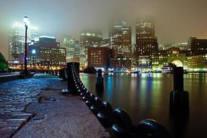 mistige Boston-nacht foto