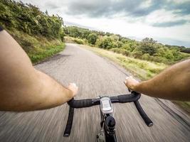 fietsen op de weg. pov foto