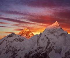 mount everest zonsondergang foto