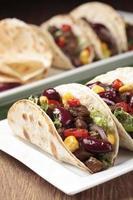 taco met rundvlees en groenten