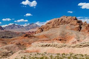 rood rotslandschap in vallei van het park van de brandstaat foto