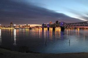 avond in Louisville, Ky foto
