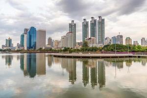de schemering van de binnenstad van Bangkok foto