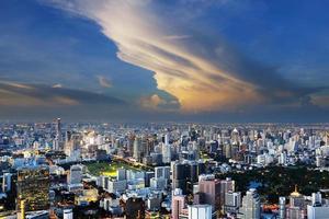 bangkok stad 's nachts foto