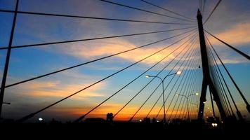 hangbrug in bangkok foto