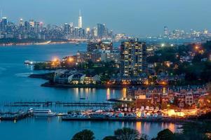 New York City Downtown in schemering