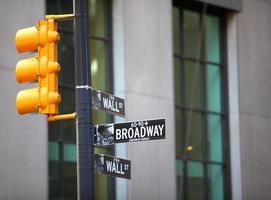 Wall Street en Broadway foto
