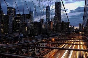Manhattan vanaf de Brooklyn Bridge foto