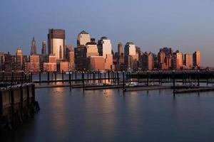 Lower Manhattan in de schemering foto
