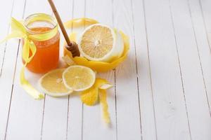 citroenen en honing. foto