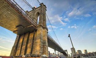 spectaculair uitzicht op de Brooklyn Bridge foto