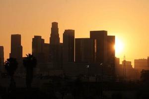 zonsondergang in het westen foto