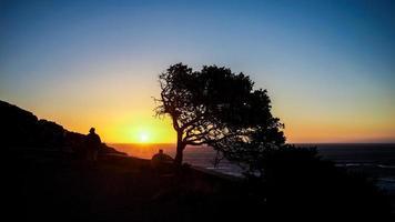 silhouet in kamp baai foto