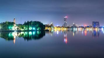 's nachts Hanoi foto