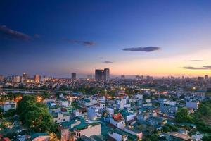 zonsondergang op het huis in Hanoi foto