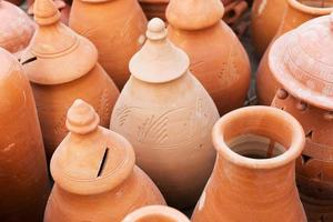 terracotta potten, Indiase handwerkbeurs in kolkata foto