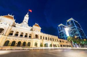 gebouw van het volkscomité in de stad Ho Chi Minh foto