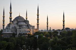blauwe moskee. lange blootstelling nacht foto