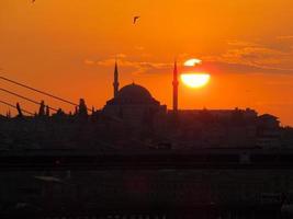 zonsondergang over gouden hoorn foto
