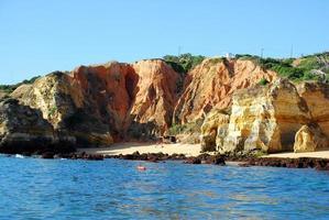 strand boneca lagos in de algarve portugal foto