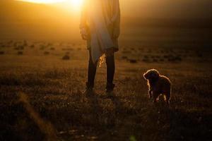 zonsondergang meisje foto