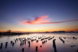 zonsondergang met zee