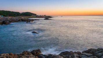 zonsopgang en zee foto
