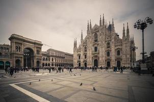 vintage op zoek duomo di milano gotische kathedraal kerk, vintage foto