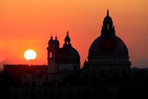 zonsondergang in Venetië foto