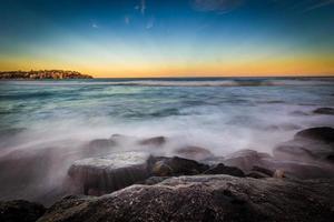 zonsondergang zeegezicht uitzicht. foto