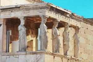 portiek van de kariatiden in erechtheum, Athene foto