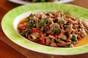 Thais basilicum gewokte eend recept foto