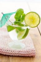 koude mojito cocktail foto