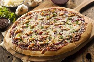 zelfgemaakte barbecue kip pizza