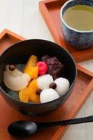Japans dessert, shiratama anmitsu