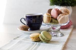macarons en koffie foto