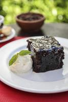 brownie met vanille-ijs