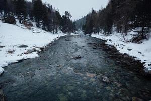 winter rivier foto