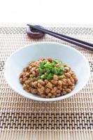 natto, gefermenteerde sojabonen