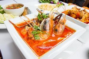 tom yam kung, Aziatisch favoriet eten foto