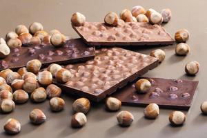 chocolade met hazelnoten foto